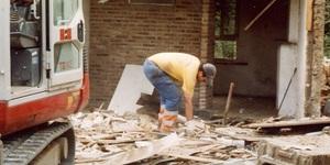 Terrassements LEON - Morlanwelz - Démolitions et chargement de décombres